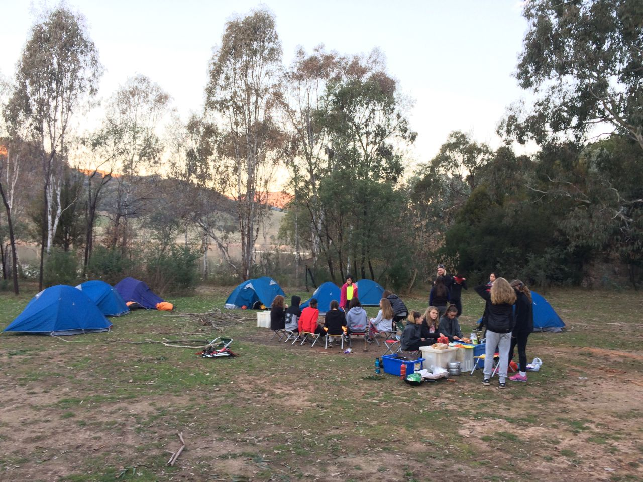 Charmant Year 9 Girls Outdoor Ed Canoe Camp